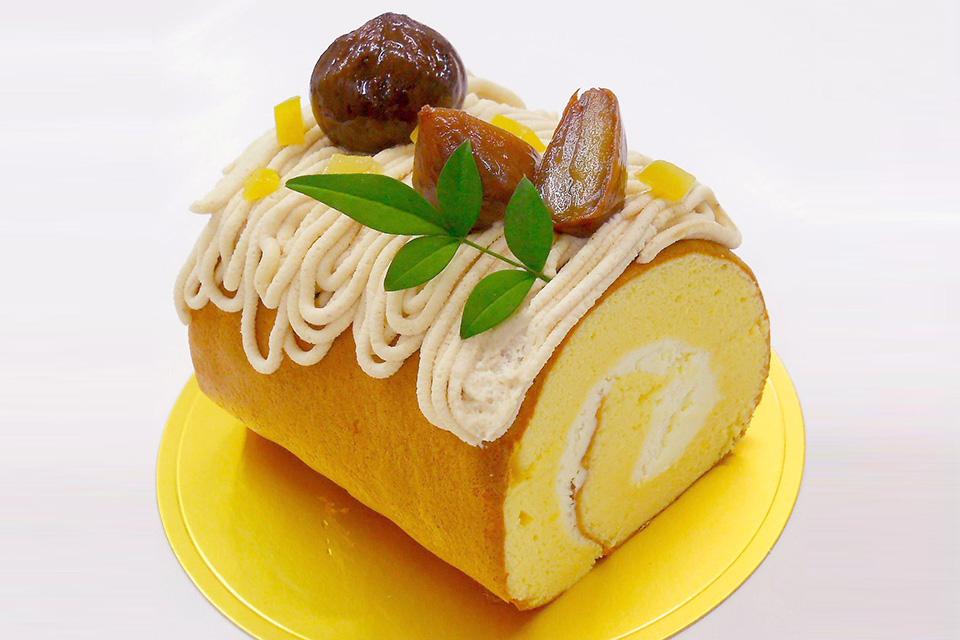 和栗飾りロールケーキ
