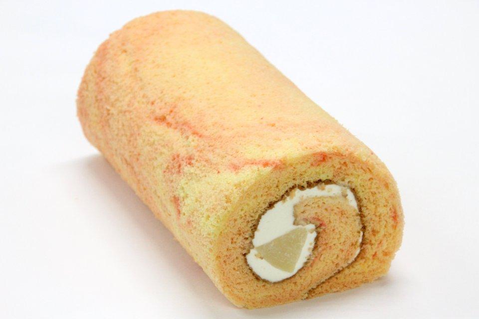 【7月】白桃ミルクロール(18cm)